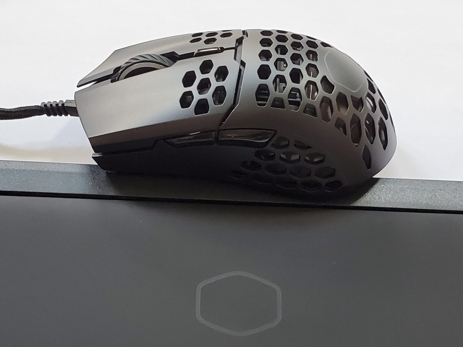Cooler Master M711 Gaming Mouse (3)